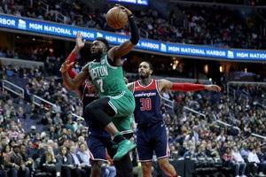 НБА: Бостон проиграл Вашингтону, Финикс переиграл Даллас