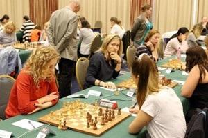 Шахи: Ушеніна перемогла чемпіонку Європи