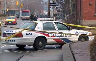 У Торонто на перехожих напали з ножами, є постраждалі