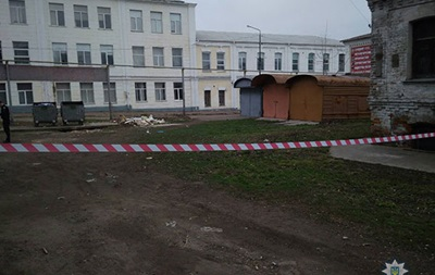 У Конотопі біля будівлі школи знайшли дві міни