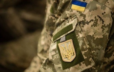 Українські моряки, які залишили Крим, просять житло у Порошенка