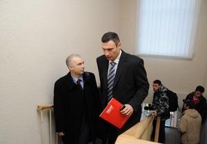 Кличко хочет привлечь Попова в качестве свидетеля в деле по иску Черновецкого