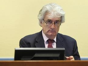 Радован Караджич впервые появился в суде в Гааге