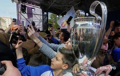 До Києва прибув кубок Ліги чемпіонів УЄФА
