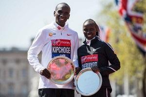 Кенієць Кіпчоге виграв Лондонський марафон