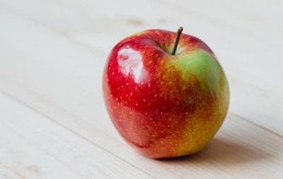 Жительницу США оштрафовали за яблоко на 500 долларов