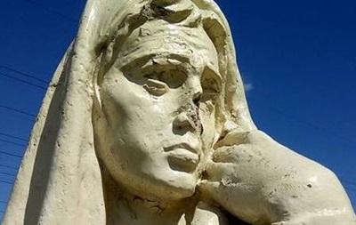 В Запорожье испортили памятник жертвам Голодомора
