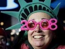 Мир встретил 2008-й год: миллионные толпы, фейерверки и горящие автомобили