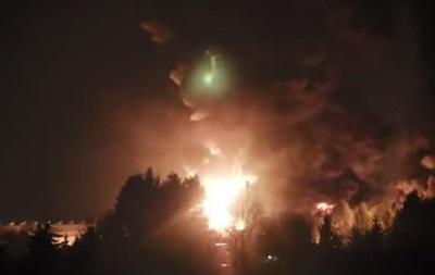 В Польше 140 спасателей тушили склад с химикатами
