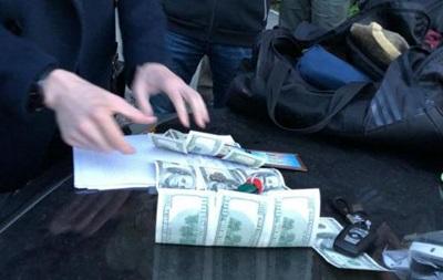 В Киеве судью поймали на взятке в 200 тысяч гривен