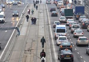 В Будапеште четвертый день бастуют работники общественного транспорта. Город завяз в пробках