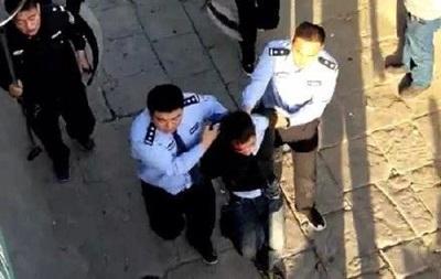В Китае мужчина зарезал в школе семь человек