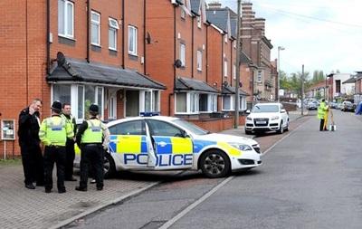 В Британии авто наехало на людей у мечети