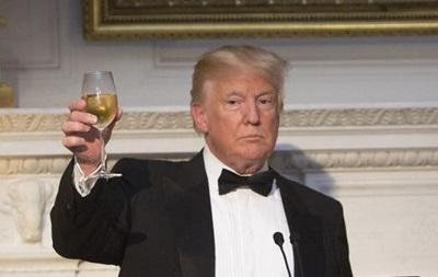 У сенаті запропонували нагородити Трампа Нобелівською премією миру