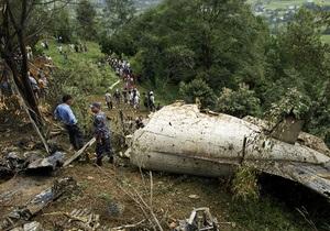 В Непале разбился самолет, на борту которого находились более 20 человек