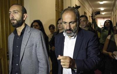 Nikol Paşinyana Ermənistan Baş nazir postunu tutmaq nəsib olmadı.