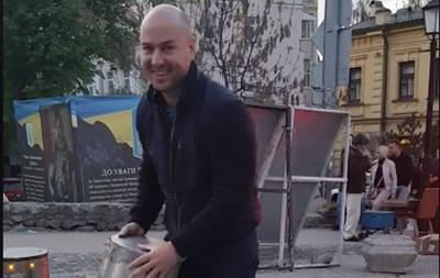 В Киеве водитель выломал выдвижной столб, чтобы проехать в пешеходную зону
