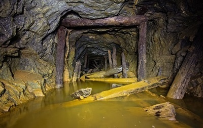 На затапливаемой шахте в Луганской области готовят систему водоотлива