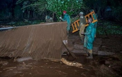 Кількість жертв прориву греблі в Кенії перевищила 30 осіб