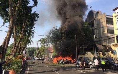 В Индонезии взорвали три церкви, есть жертвы