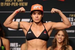 UFC 224: Нуньес нокаутировала Пеннингтон в пятом раунде