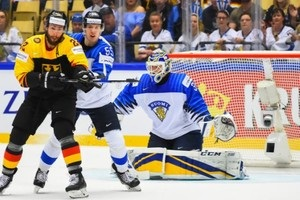 ЧМ по хоккею: Швеция обыграла Швейцарию, Финляндия уступила Германии