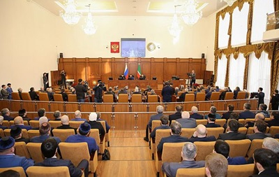 В Госдуму РФ внесли законопроект о трех президентских сроках подряд