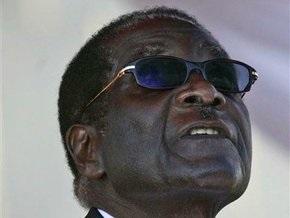 В Зимбабве депутата арестовали за прослушивание песни, якобы оскорбляющей президента