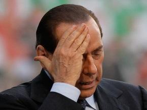 Берлускони отверг обвинения в связях с мафией