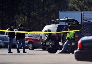 В США мужчина открыл огонь в офисе бывшего работодателя: двое убиты, пятеро ранены