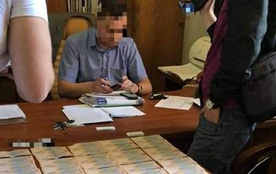 Чиновника Укрзалізниці зловили на хабарі в 350 тис