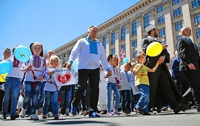 В Киеве проходит шествие в защиту прав детей
