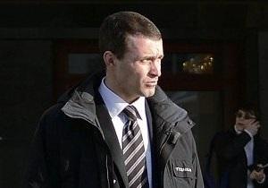 На новогоднем утреннике во Дворце Украина охранник Азарова при детях обматерил журналиста LB.ua
