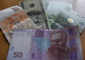 Гривна мягко падает к доллару на межбанке