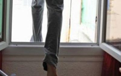 У Києві підліток вистрибнув з вікна через погану оцінку