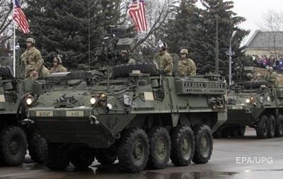 Американські військові на броньовику потрапили в ДТП у Польщі