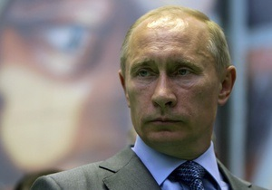 Путин возложил цветы к могиле погибшего болельщика Спартака