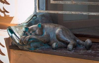 В Одессе украли скульптуру любимого кота Жванецкого