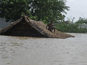 Крупное наводнение в Индии: миллион человек остались без крова