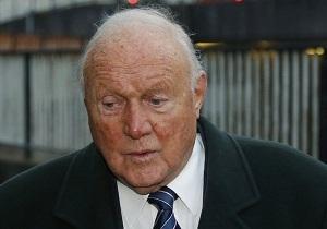 Ведущий BBC ответит перед судом за изнасилование и растление малолетних