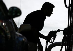Украинские АЗС в апреле реализовали на 9,3% меньше бензина