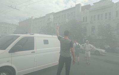 В Харькове горсовет забросали дымовыми шашками