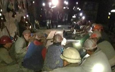 Один из участников подземной забастовки горняков госпитализирован