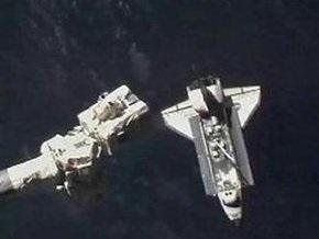Шаттл Atlantis доставил на МКС грузы и продовольствие