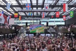 Нестримні веселощі: англійські фанати божеволіли після кожного голу