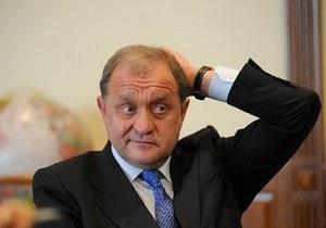 Глава МВД предложил выделить оппозиции поле для митингов на окраине Киева