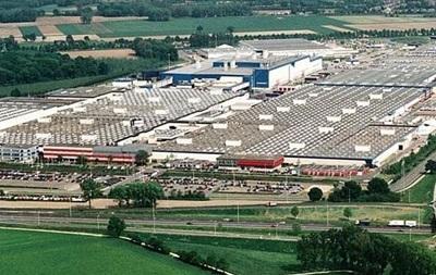 Через повінь в Японії зупинилися заводи Mazda і Mitsubishi