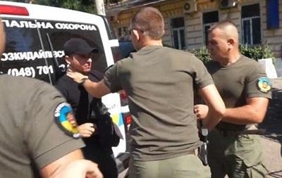 Появилось видео конфликта охранников и журналистов в Одессе