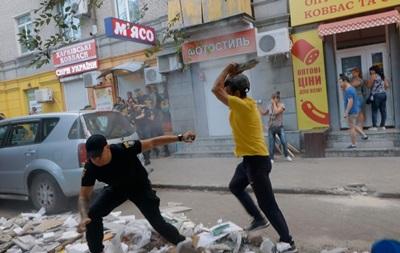 Знесення кіосків у Дніпрі переросло у масову бійку
