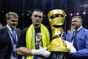 Усик став четвертим абсолютним чемпіоном з чотирма поясами